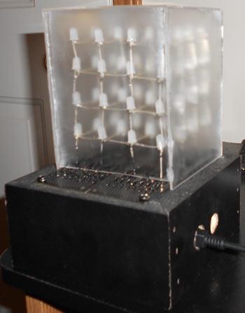 Светодиодный куб 4х4х4