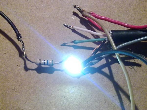Срабатывание датчика и свечение светодиода