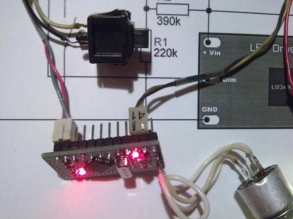 Зажигание индикатора низкого заряда