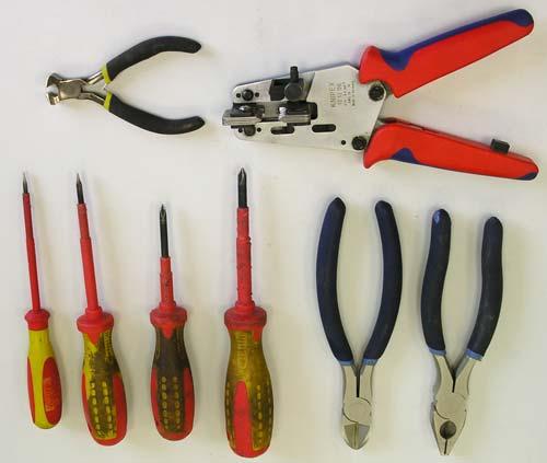 инструменты да вооружение про  электромонтажных работ