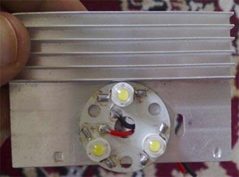 Садим модуль на теплоотвод