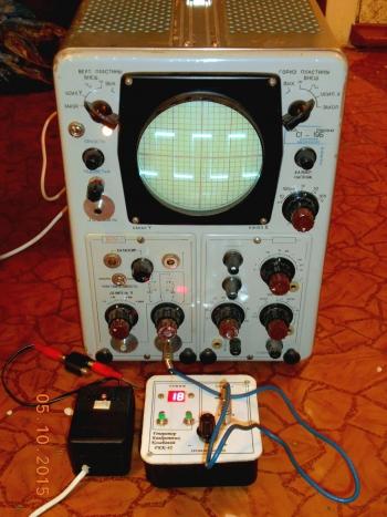 Рис.3 - Устройство подключенно к осциллографу.