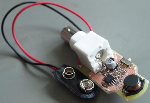 Eselit.com : Схемы : Измерители : Простой измеритель электромагнитного поля.