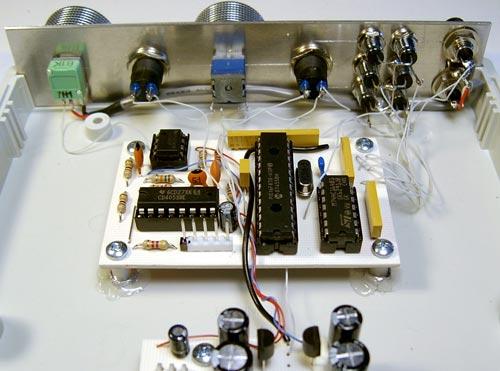 Многофункциональный генератор на PIC16F870.