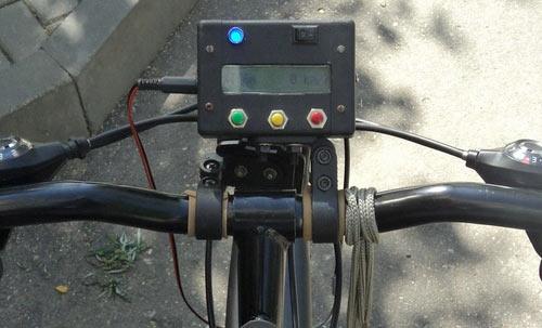 Велокомпьютер на велосипеде