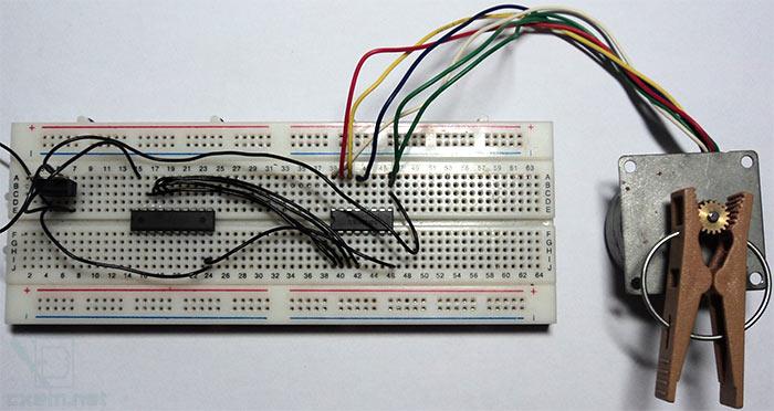 Фото устройства на макетной плате