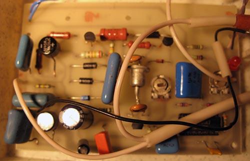 Задающий генератор на микросхеме