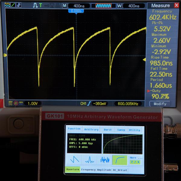 Возрастание по экспоненциальному закону 600 кГц, 5В