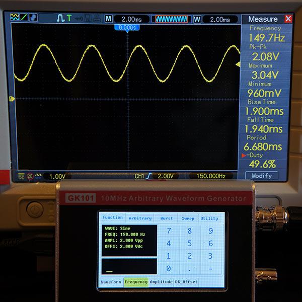 Синусоидальный сигнал 150Гц, 2В, смещение  2В