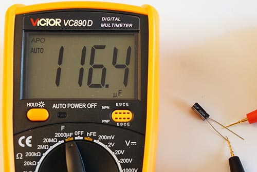 Измерение электролита 100 мкФ