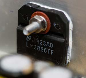 LM3886 TF на радиаторе