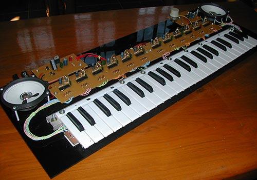 Как сделать своими руками из синтезатора