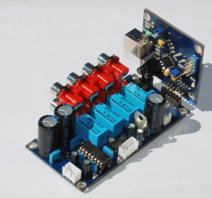Регулятор громкости PGA2311 c селектором входов и Цапом PCM2706