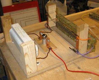 Трансформатор, разрядник и конденсаторы