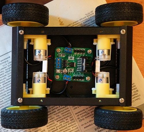 Установка колес и платы драйвера двигателей L298N